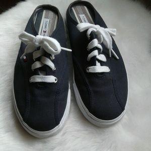 🍁🍂🍁 Tommy Hilfiger sneaker slides.🍁🍁🍁